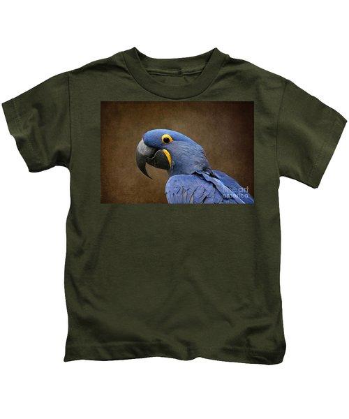 Beauty Is An Enchanted Soul - Hyacinth Macaw - Anodorhynchus Hyacinthinus Kids T-Shirt