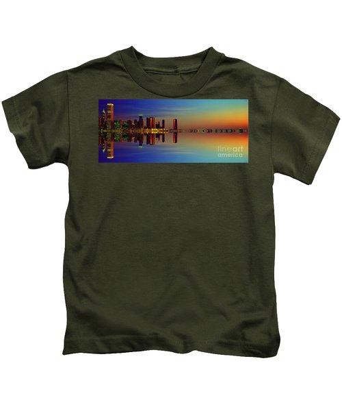 Between Night And Day Chicago Skyline Mirrored Kids T-Shirt