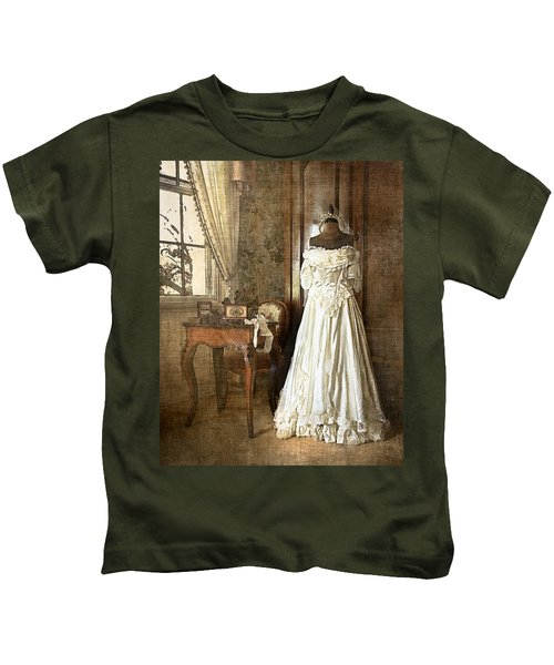 Bridal Trousseau Kids T-Shirt