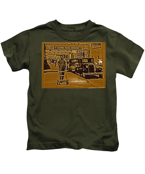California Packing Corporation Kids T-Shirt