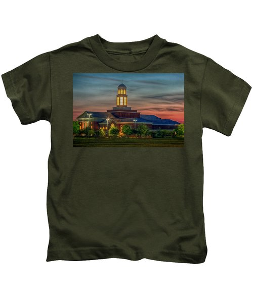 Christopher Newport University Trible Library At Sunset Kids T-Shirt