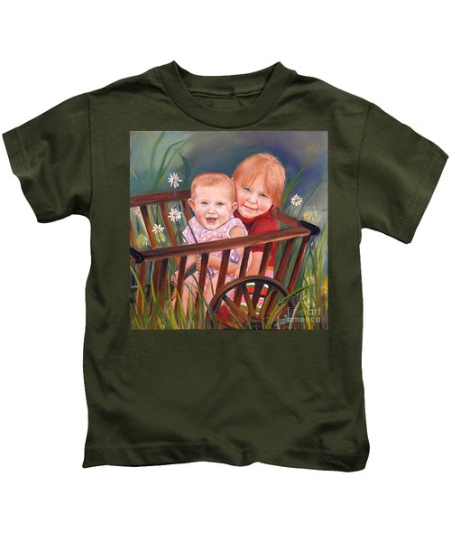 Daisy - Portrait - Girls In Wagon Kids T-Shirt