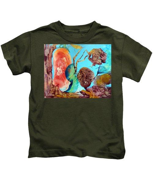 Ernsthaftes Spiel Im Innerem Erdteil Kids T-Shirt