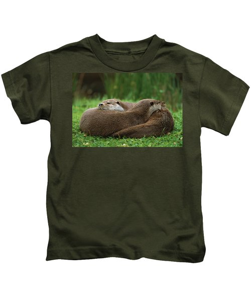 European River Otter Lutra Lutra Kids T-Shirt by Ingo Arndt
