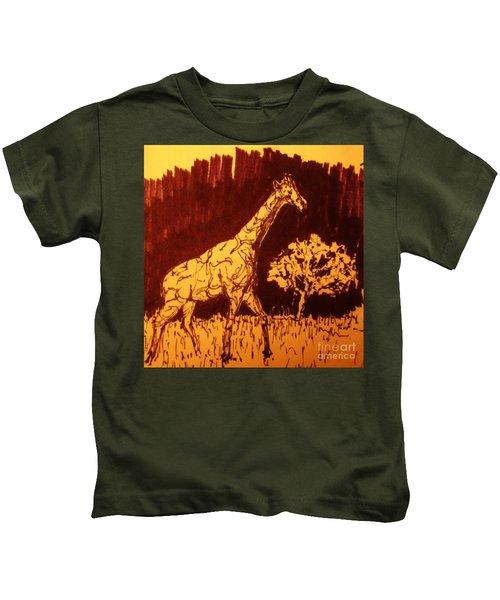 Giraffe  In Habitat Kids T-Shirt
