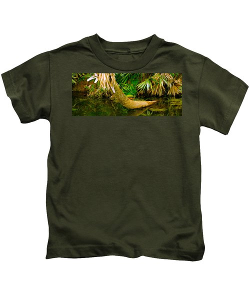 Green Turtle Chelonia Mydas In A Pond Kids T-Shirt