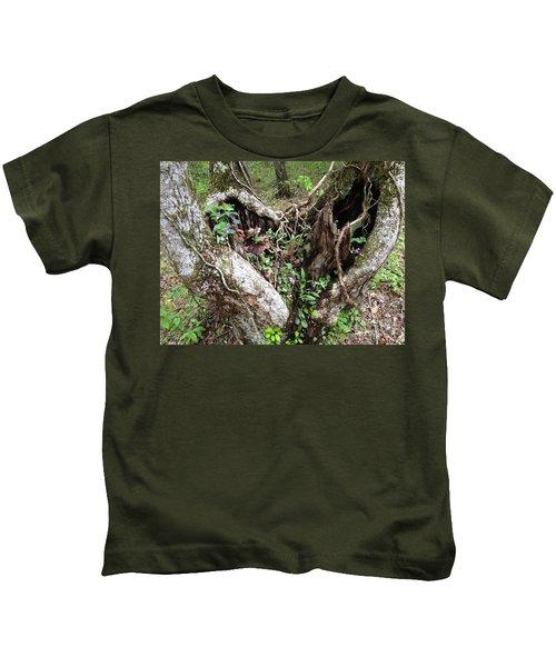 Heart-shaped Tree Kids T-Shirt