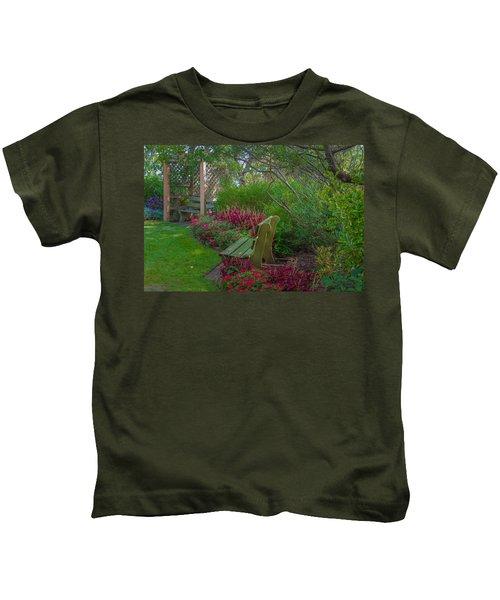 Hereford Inlet Lighthouse Garden Kids T-Shirt