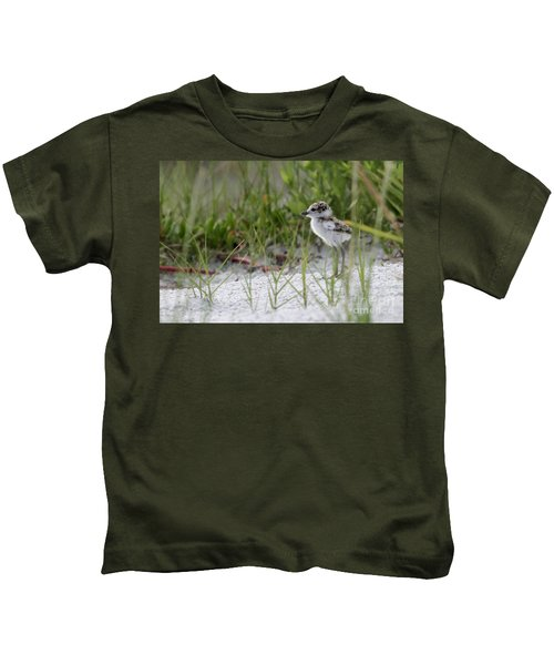 In The Grass - Wilson's Plover Chick Kids T-Shirt