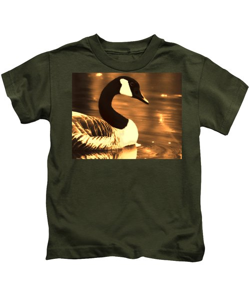 Lila Goose The Pond Queen Sepia Kids T-Shirt