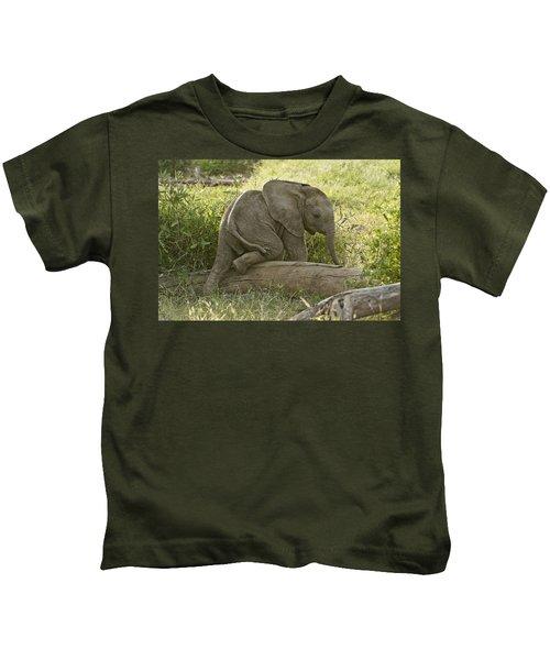 Little Elephant Big Log Kids T-Shirt