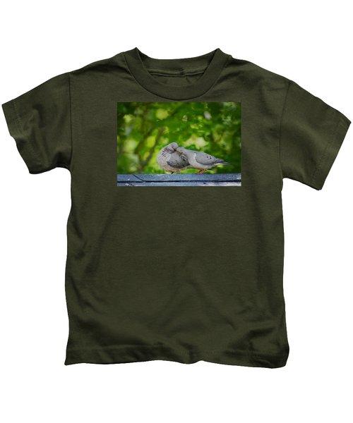 Love Doves  Kids T-Shirt
