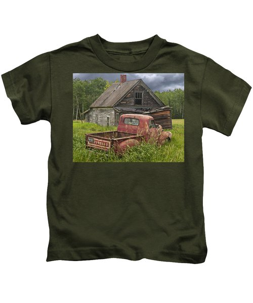 Old Abandoned Homestead And Truck Kids T-Shirt