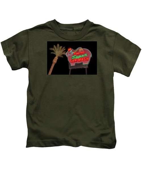 Pink Elephant Car Wash 36 X 24 Kids T-Shirt