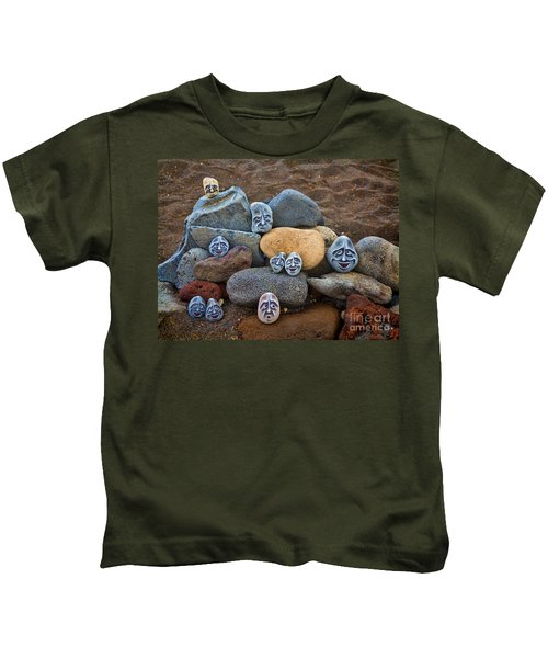 Rocky Faces In The Sand Kids T-Shirt by David Smith