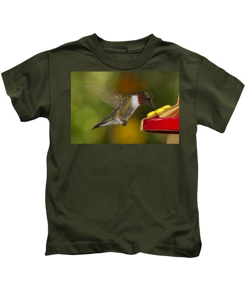 Ruby-throat Hummer Sipping Kids T-Shirt