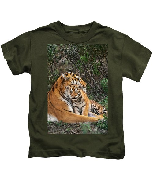 Siberian Tiger Mother And Cub Endangered Species Wildlife Rescue Kids T-Shirt
