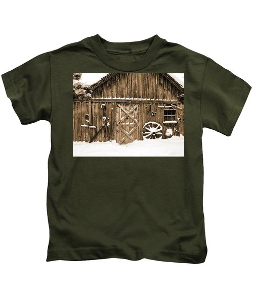 Snowy Old Barn Kids T-Shirt