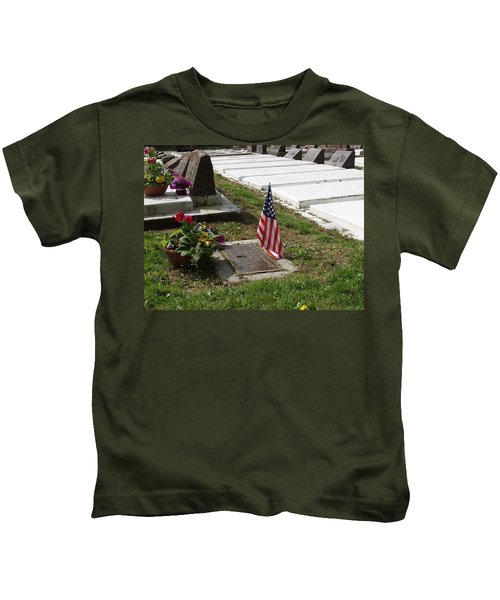 Soldiers Final Resting Place Kids T-Shirt
