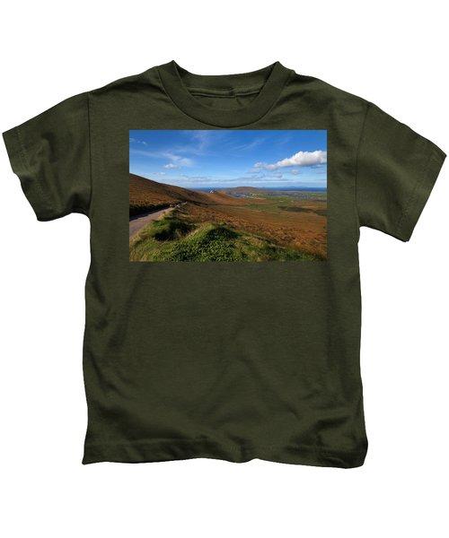 The Coomanaspig Pass, Overlooking Kids T-Shirt