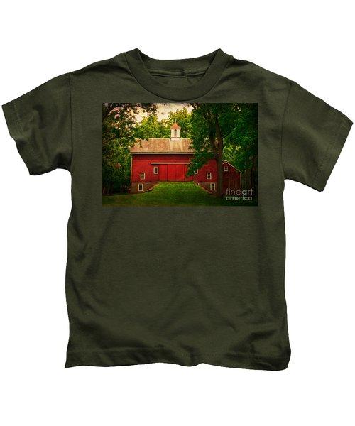 Tinicum Barn In Summer Kids T-Shirt