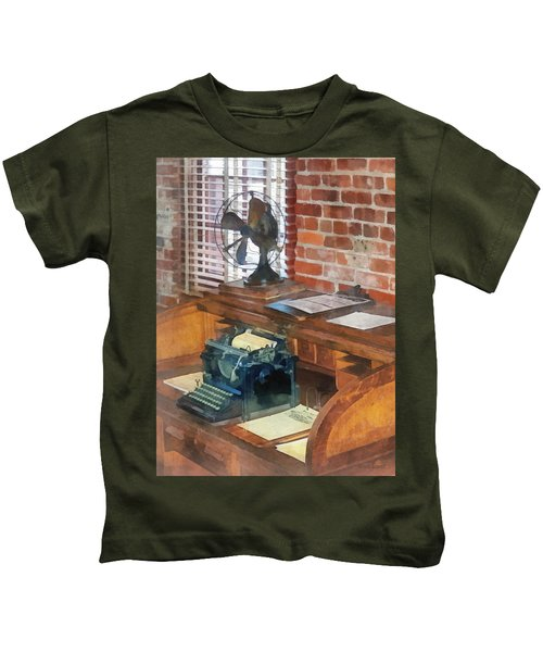 Trains - Station Master's Office Kids T-Shirt
