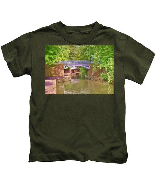 Under The Bridges Kids T-Shirt