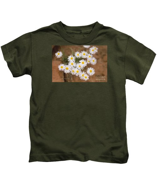 Unidentified Daisy Kids T-Shirt