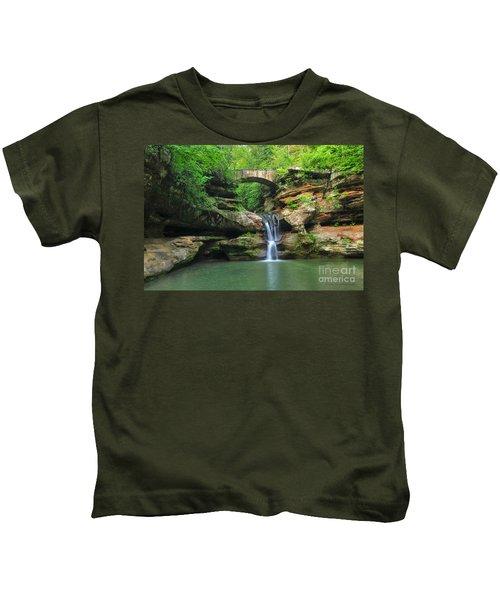 D10a-113 Upper Falls At Old Mans Cave Hocking Hills Photo Kids T-Shirt