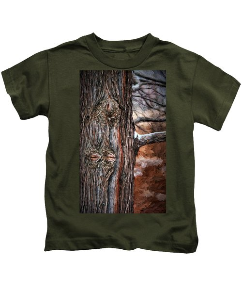Watcher In The Woods - Tree With Knothole Eyes - Pareidolia  Kids T-Shirt
