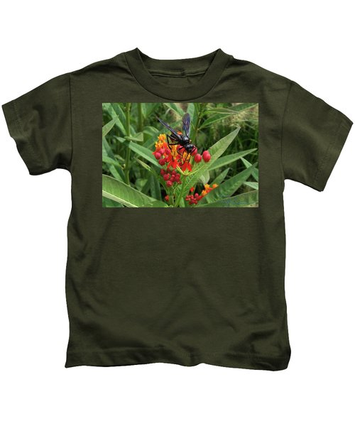 Giant Wasp Kids T-Shirt