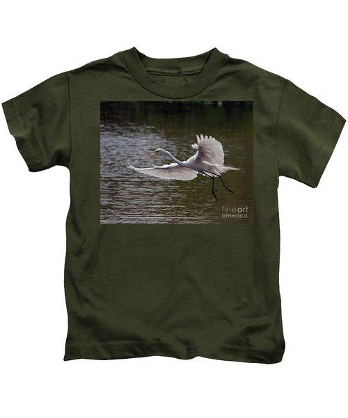 Great Egret In Flight Kids T-Shirt