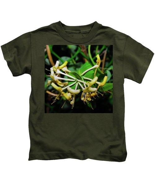 Overblown Perfoliate Kids T-Shirt