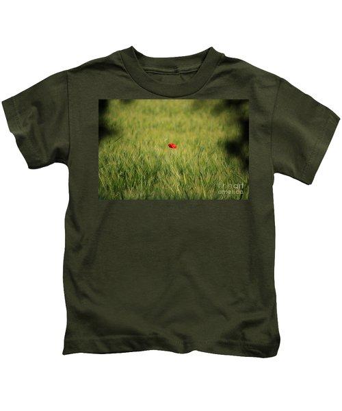 Red Poppy In A Field Kids T-Shirt