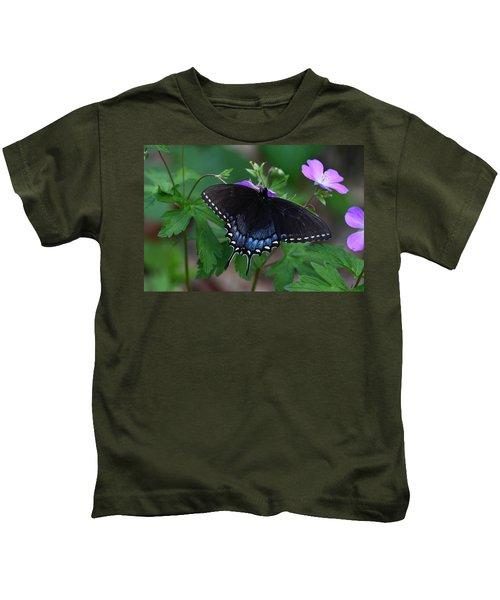 Tiger Swallowtail Female Dark Form On Wild Geranium Kids T-Shirt