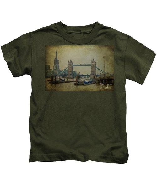 Tower Bridge. Kids T-Shirt