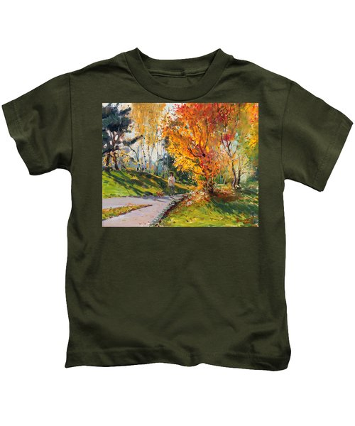 Viola In A Nice Autumn Day  Kids T-Shirt