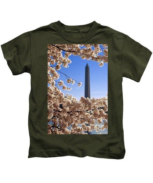 Washington Monument Cherry Trees Kids T-Shirt