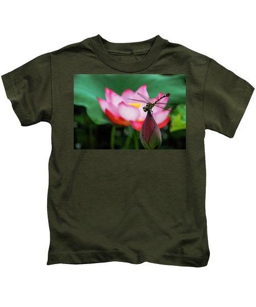A Dragonfly On Lotus Flower Kids T-Shirt