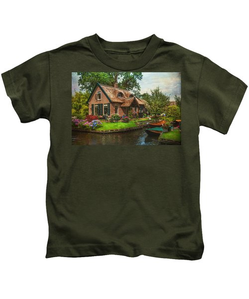 Fairytale House. Giethoorn. Venice Of The North Kids T-Shirt