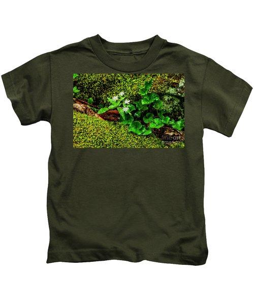 Star Chickweed Mossy Rock Kids T-Shirt