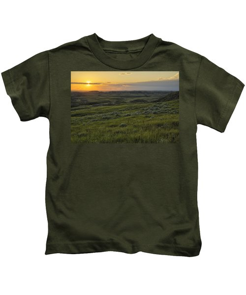Sunset Over Killdeer Badlands Kids T-Shirt by Robert Postma