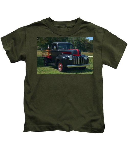 1946 Ford Stake Side Truck Kids T-Shirt
