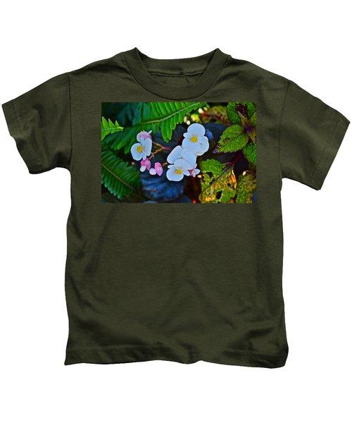 2015 Early September At The Garden Begonias Kids T-Shirt