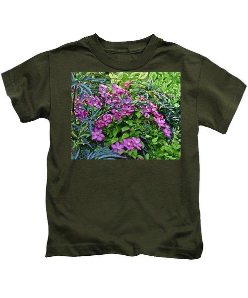 2015 Summer At The Garden Beautiful Clematis Kids T-Shirt