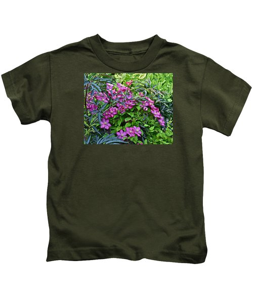 2015 Summer At The Garden Beautiful Clematis Kids T-Shirt