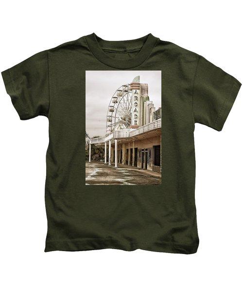 Abandoned Arcade And Ferris Wheel Kids T-Shirt