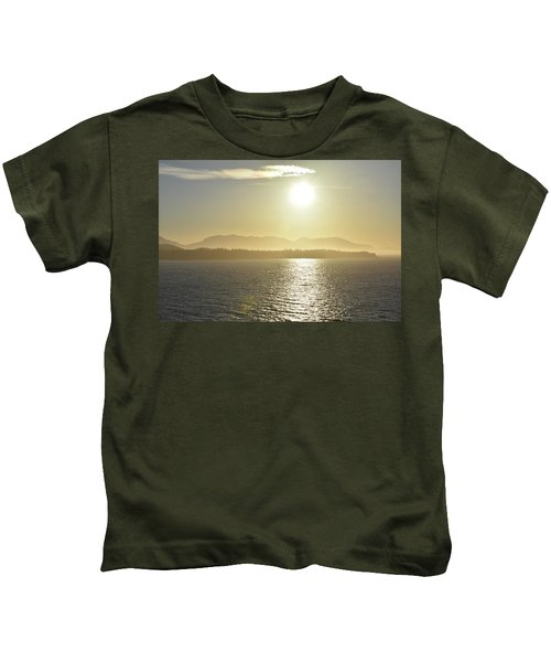 And The Sun Goes Down Kids T-Shirt