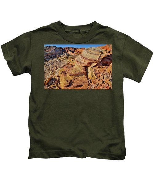 Bands Of Colorful Sandstone In Valley Of Fire Kids T-Shirt