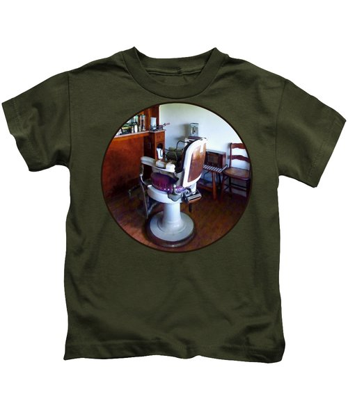 Barber - Old-fashioned Barber Chair Kids T-Shirt